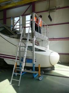 Platformă reglabilă și extensibilă din aluminiu pentru întreținerea ferestrelor AVI