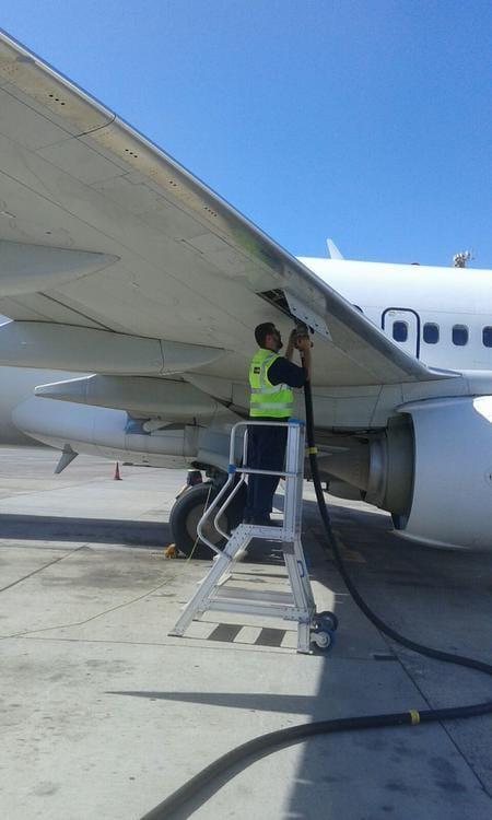 Platforma de aluminiu ușoară pentru alimentarea cu combustibil a aeronavelor